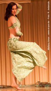 Saidi-Hüpfer auf der Bühne - Foto: R. Jedamzik