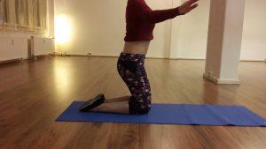 Ansatz der Oberkörperwelle im Kniestand