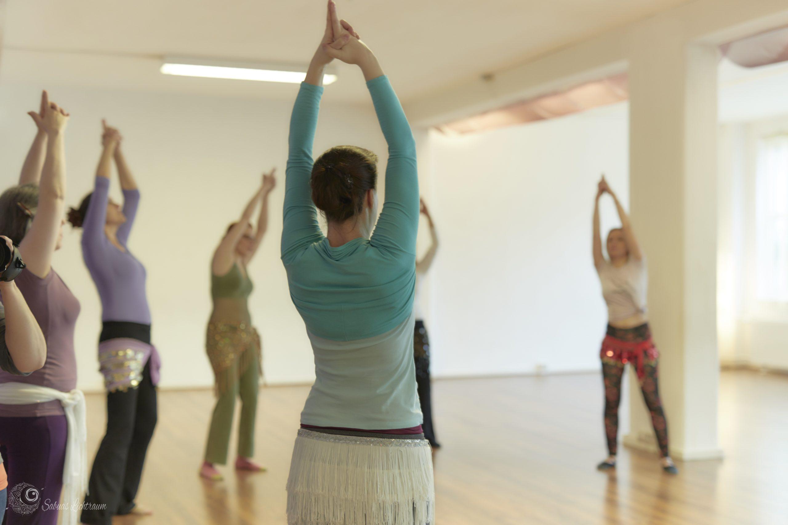 WarmUp für Orientalische Tanzkurse und dein eigenes Training – Teil 4