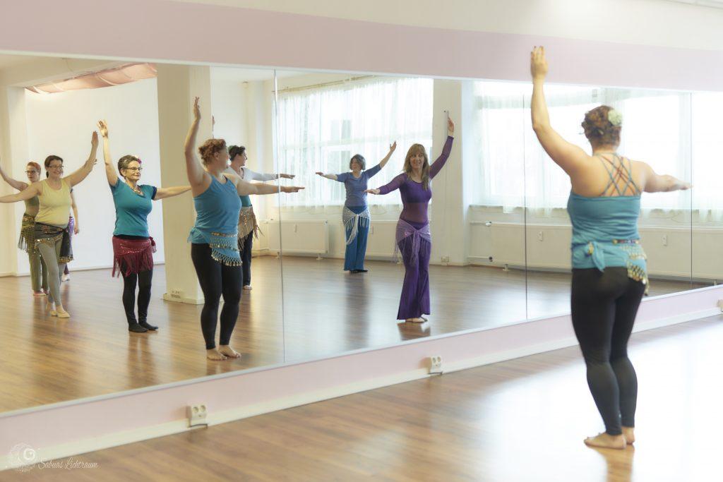 Abstand beim Tanzen - Foto: Sabuas Lichtraum