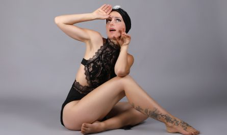 Burlesque mit Maya im OT pur in Frankfurt - Foto: R. Hoffmann